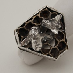 Honeycomb Ring thumbnail