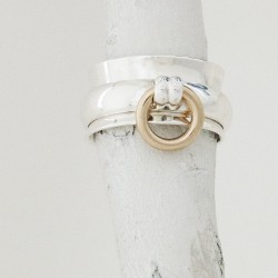 O-Ring with 14 karat gold O thumbnail